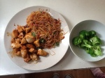 Balanced meals with protein, vegetables and whole grains